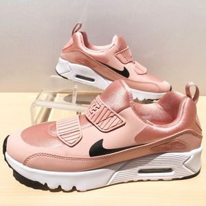 NEW Nike Air Max Tiny 90- Coral- Size 3 Youth